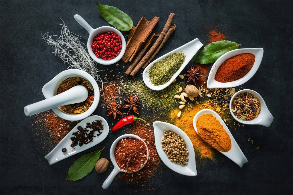 Microwave sterilization of smashed spices