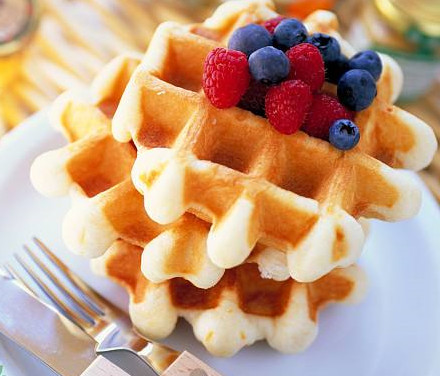Study on Appearance Differentiation and Serialization Design of Waffle Cake Machine